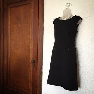 🖤💕 CALVIN KLEIN black dress w/ zipper pockets